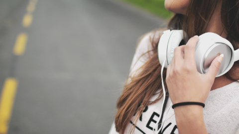 Come scegliere auricolari e cuffie audio sicure
