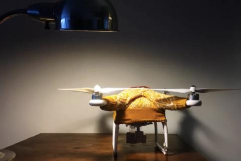 Se il tuo drone ha freddo, forse hai bisogno di un maglione!