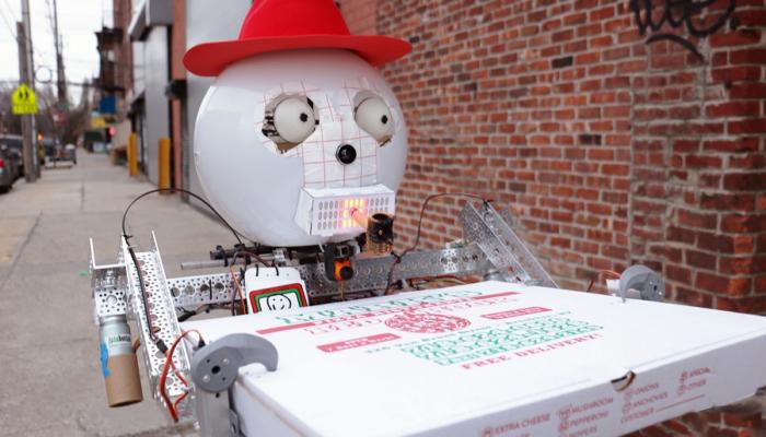 Mfacemood - Funnie il robot che ordina la pizza e la birra