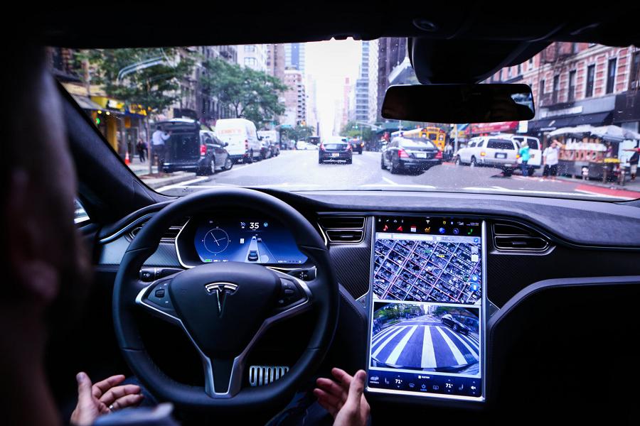 """Myfacemood - HW2-era, il Software Tesla per il """"Pilota Automatico"""" si Aggiorna!"""