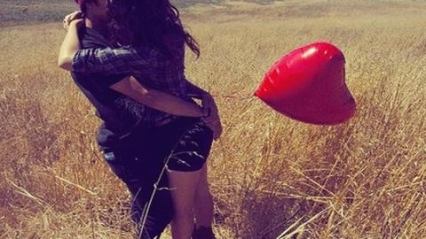 La follia dei giovani amori raccolta in un videospot in Argentina