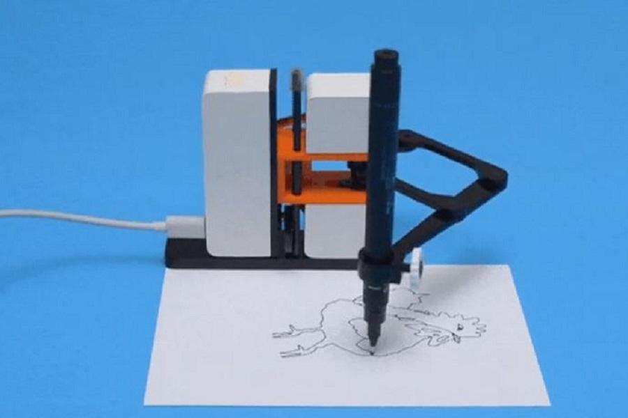 Linea-Us, l'amico robot che disegna insieme a te