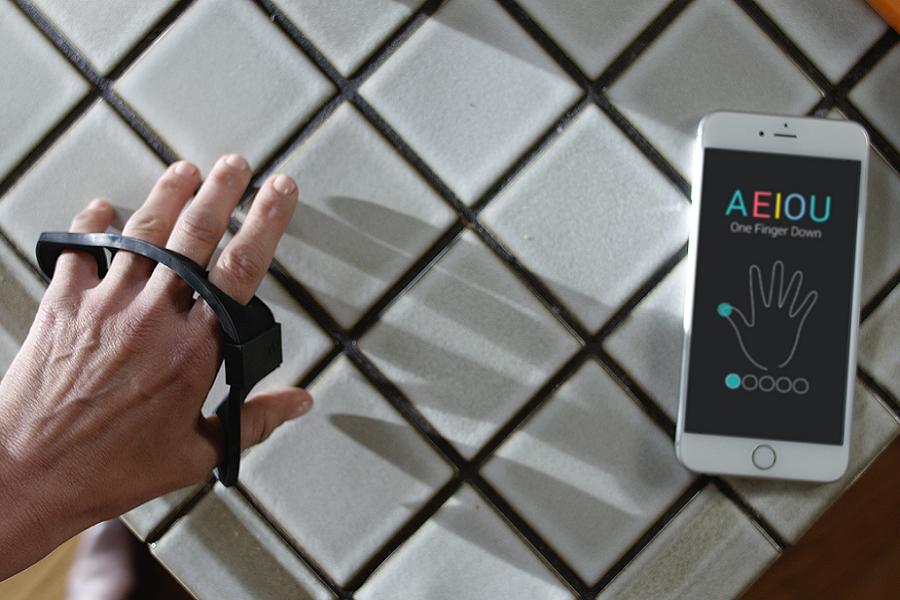 Myfacemood - Tap Strap è la tastiera virtuale ovunque vi troviate