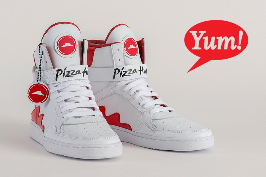 Myfacemood - Pie Tops ordina la Pizza con le scarpe