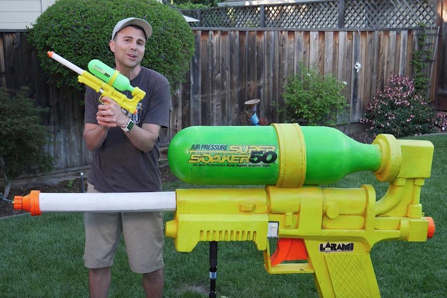 Myfacemood - Un ingegnere della NASA costruisce la Pistola ad Acqua più grande al mondo